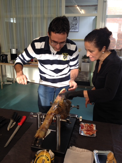 Workshop Ibérico ham cut